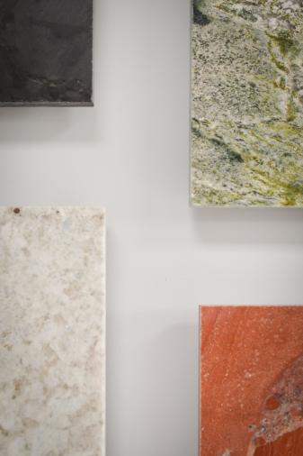 salle de bains marbre pierres